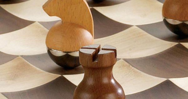 Paul lobel chess set wobble chess set fra umbra billede small carvings pinterest chess - Wobble chess set by umbra ...