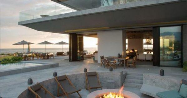 moderne architektenhaus feuerstelle aus beton gartengestaltung garten und landschaftsbau. Black Bedroom Furniture Sets. Home Design Ideas