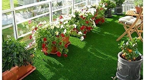 Kunstrasen Kunstrasen Fur Micro Landsc Kleine Balkonideen Balkonideen Fur Kleine Kunstrasen Landsc In 2020 Gartendekor Wohnung Balkon Garten Gartendesign Ideen