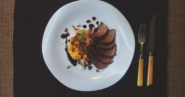 How To Pan-Sear Duck Breasts And Properly Render Their Fat Recipe ...