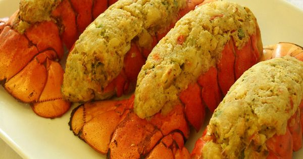 how to cook stuffed lobster tail