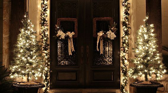 Christmas Porch and Front Door Garland DIY