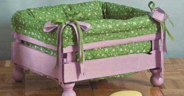 20 Ideas Para Decorar Cajas De Madera Recicladas Cama Para Mascotas Cajas Recicladas Caja De Fresas Decorada
