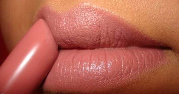 NYX Thalia (LSS529)--perfect nude pink // beauty pink lipstick makeup