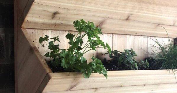 diy 5 jardini res en bois faire soi m me plumetis magazine green and botanique. Black Bedroom Furniture Sets. Home Design Ideas