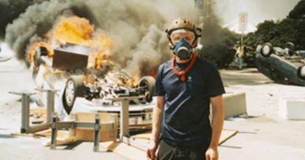 Un Poliziotto Infiltrato Tra I Black Bloc Al G8 Di Genova Del 2001 A 16 Anni Dal Vertice E La Polizia Inglese Incalzata Da Una Commis Genova Poliziotto Black