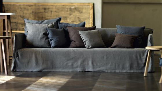 ghost 22 gervasoni design paola navone new colours same sofa collection ghost. Black Bedroom Furniture Sets. Home Design Ideas