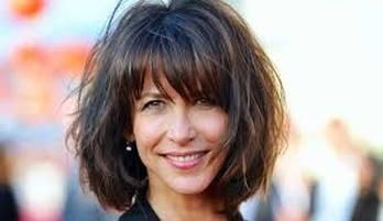 3 Style Tips From French Women For The Over 40 Wig Hairstyles Thick Hair Styles Front Lace Wigs Human Hair