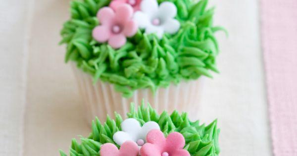 Grass & flower cupcake idea