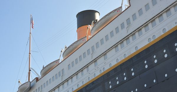 Titanic Museum In Pigeon Forge Is Hard To Miss The Giant