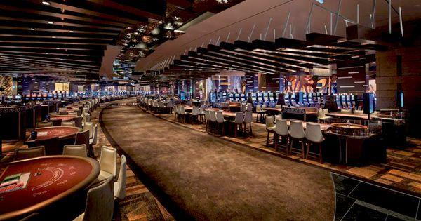 hotels near aria resort and casino