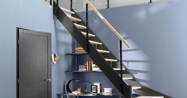 bureau sous escalier. Black Bedroom Furniture Sets. Home Design Ideas