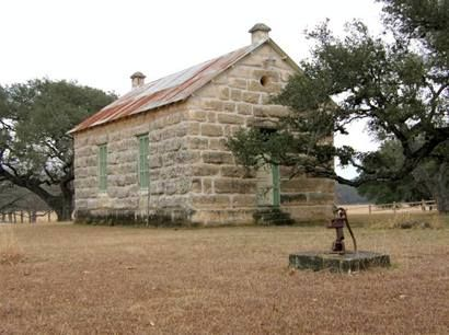 Texas hill country stone homes sisterdale texas old for Hill country stone