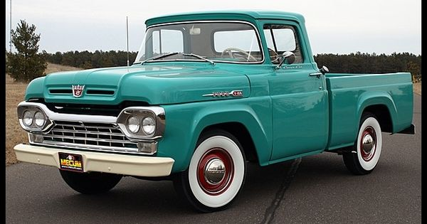 1960 Ford F100, I friggin' love old trucks! I want one so badly.