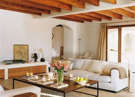 Interiores con techos de madera dise o y decoraci n del - Techos de madera interiores ...
