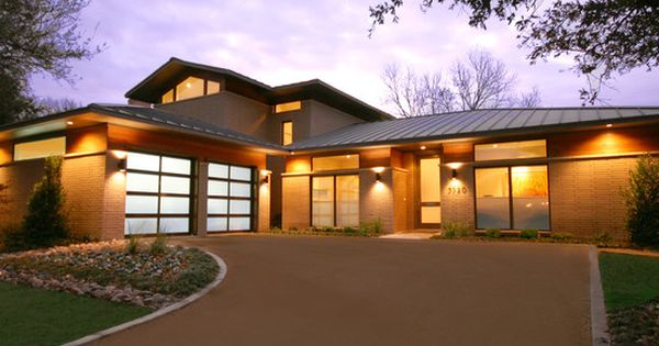 Exterior design modern exterior ranch house curb appeal with drive way and asian garage ranch - Moderne entree decoratie ...