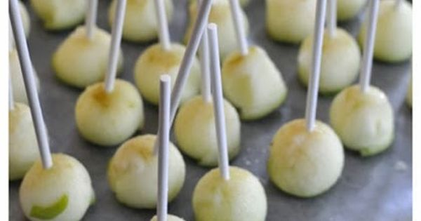 Cute mini carmel apples on sticks! Simple and delicious! Kids love food