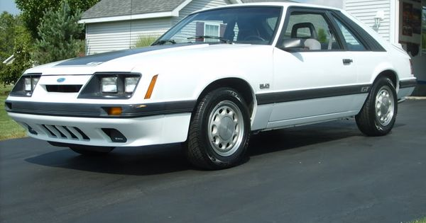 My Buddy Jeff Dean Rip Had A White 86 Gt 86 Stangs 4th Car Pinterest Fox Mustang