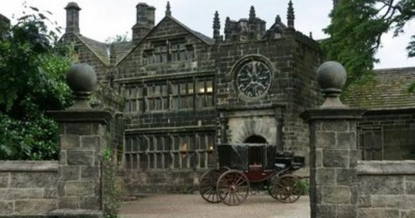 The Wuthering Heights Estate That First Belonged To The Earnshaws But Heathcliff Later Becomes The Owner It Wuthering Heights Yorkshire Day Northern England