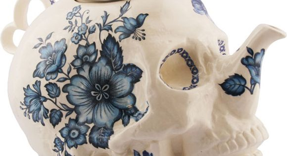 Skull Teapot in Flowers