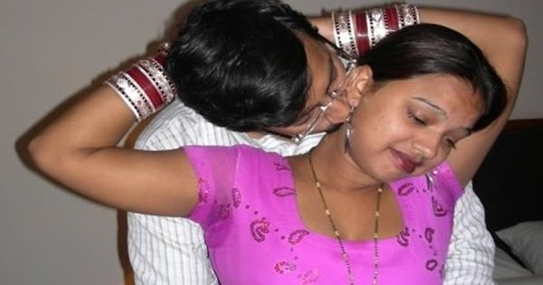 Very hot mallu aunty boobs sex...sucking her big boobs and removing saree..very very hot target=