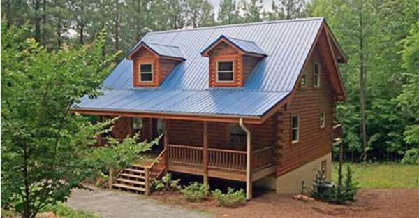 A Medium Sized Low Cost Log Home That Is Anything But Average Log Home Designs Log Homes Log Home Decorating