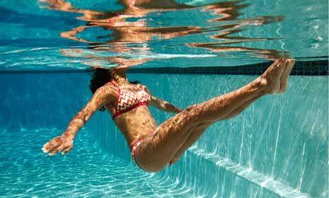 how to swim get mermaid in swimmming pool