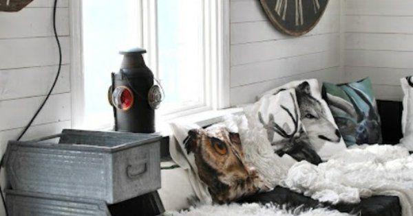 wanduhr rund rustikal leuchten sofa fell polsterung. Black Bedroom Furniture Sets. Home Design Ideas
