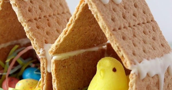 Too fun spring craft for kids! Peeps Houses