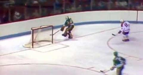 Gordie Howe S Final Nhl Goal Giveittocheech Nfl Highlights Hartford Whalers Nhl