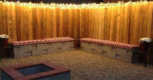These 14 diy projects using cinder blocks are brilliant for Cinder block seating area