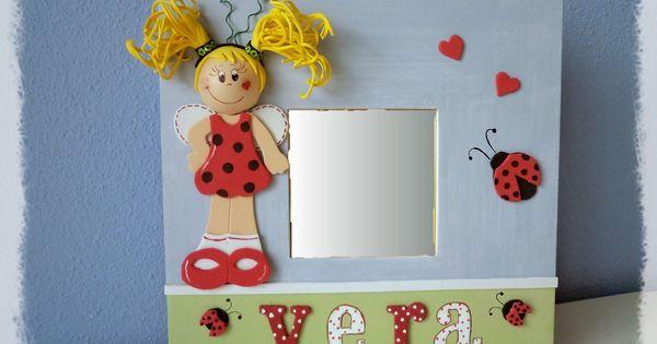 Espejo con fofucha cuadros y espejos infantiles by for Espejos infantiles