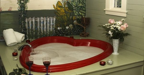 Heart Shaped Jacuzzi At Maison D Memoire Bed Breakfast Cottages Rayne Louisiana Beautiful Decor Romantic Cottage Dream Hotels