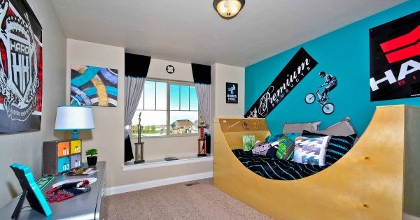 Extreme sports bedroom ideas pipe bed bmx bikes and bmx for Extreme bedroom designs
