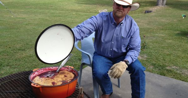 Cowboy cooking blackberry cobbler for a crowd cooking for Award winning dutch oven dessert recipes