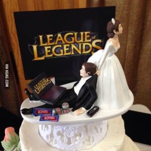 5 Geek Wedding Themes That Need To Happen Wedding Cake Toppers