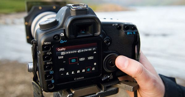 44 Essential Digital Camera Tricks and tips