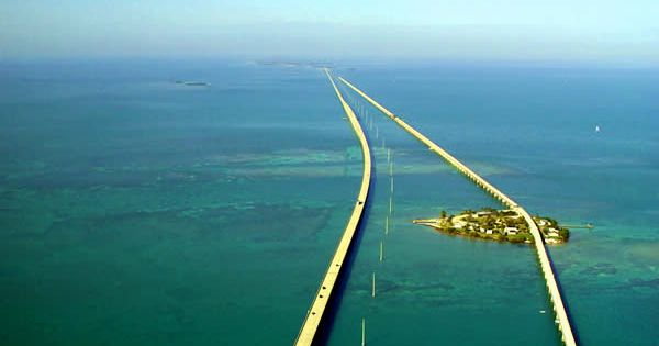 Seven Mile Bridge. Key West, Florida.