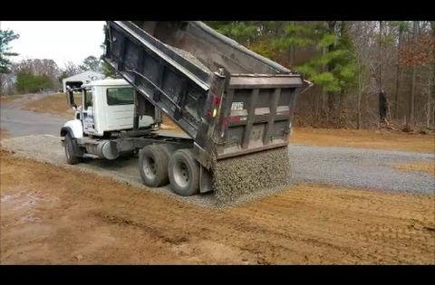Reverse Drop Spreading Gravel From Dump Truck This Guy Is Good Youtube Trucks Heavy Construction Equipment Dump Truck