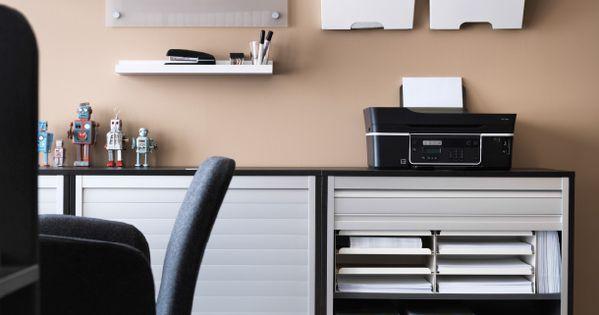 galant jalousieschr nke in schwarzbraun mit drucker auf der oberfl che dazu u a kvissle. Black Bedroom Furniture Sets. Home Design Ideas
