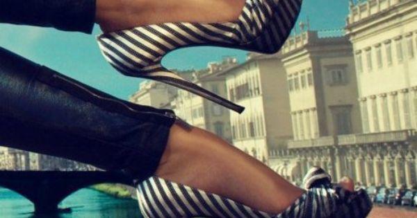 #stripe blank&white high heels