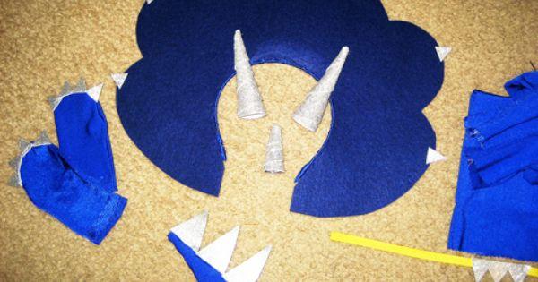 DIY Blue triceratops Dinosaur Costume tutorial