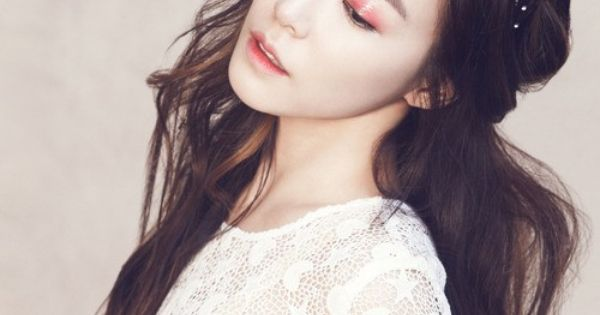 Girls' Generation Tiffany Glamourous Goddess for Photo Shoot