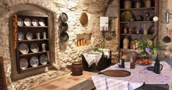 Fototapety Na Wymiar Europejskie Mieszkania Rustic Farmhouse Kitchen Old Kitchen Kitchen Stocked