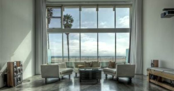 Beautiful view plus awesome sitting room living spaces for Beautiful sitting rooms