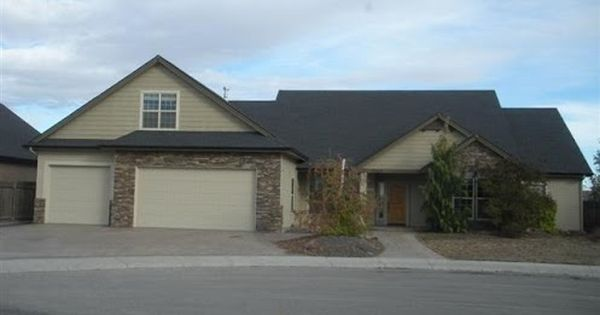 Foreclosed Home For Sale In Meridian Idaho 4 Beds 3 Baths Listing Id 37433678 Http W Foreclosed Homes Foreclosed Homes For Sale Foreclosure Listings