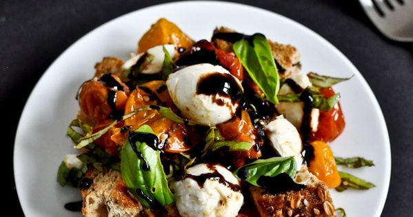 Roasted tomato caprese panzanella - new twist on the caprese salad.