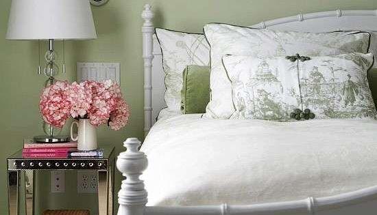 Idee per le pareti della camera da letto colore parete - Colore verde per camera da letto ...
