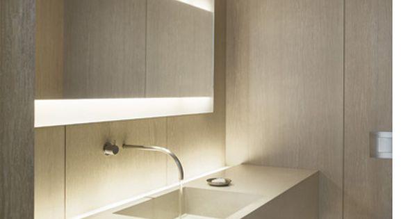 Formas marcadamente lineales 1 lavabo acabado for Espejos largos modernos