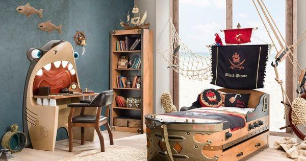 kinderzimmer ausgefallenes kinderbett schiff piraten kinderzimmer babyzimmer jugendzimmer. Black Bedroom Furniture Sets. Home Design Ideas